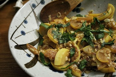 Smothered Squash with Garlic and Basil